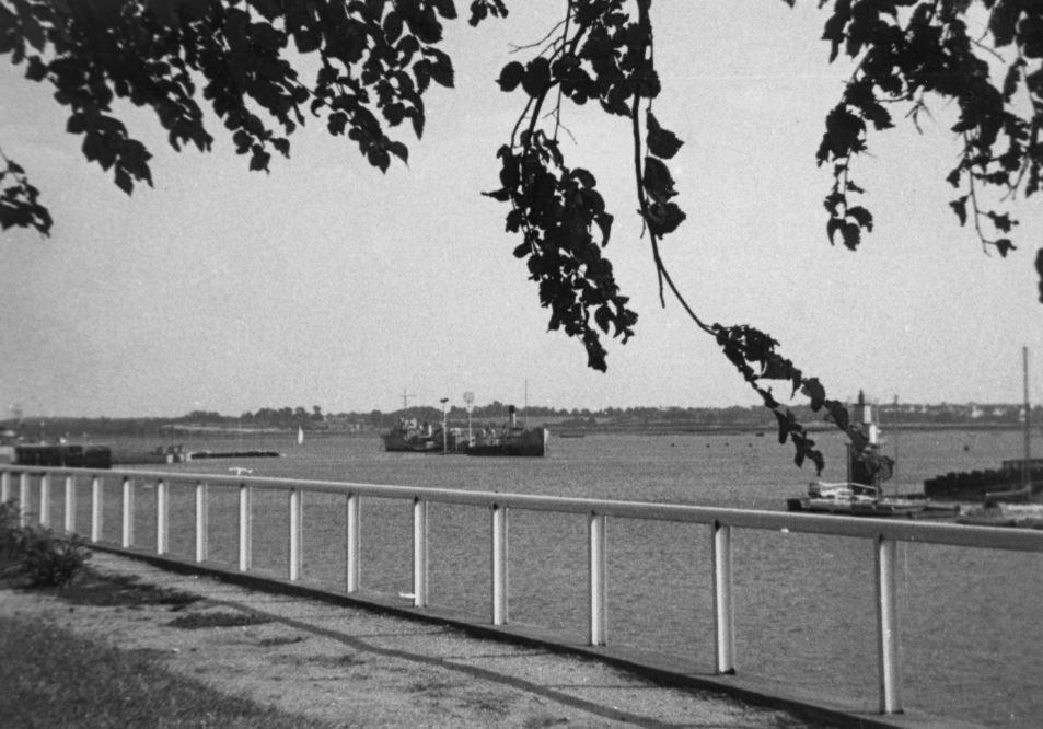 [Les ports militaires de métropole] Port de LORIENT - TOME 1 - Page 25 Vue_ra10
