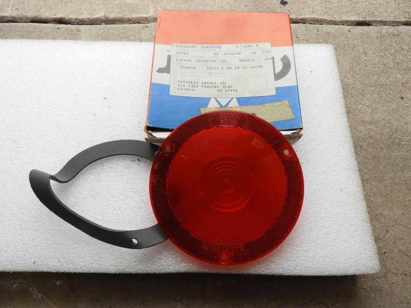 NOS Tail light lenses #3420599 1964-1970 A-100 Dscn3110