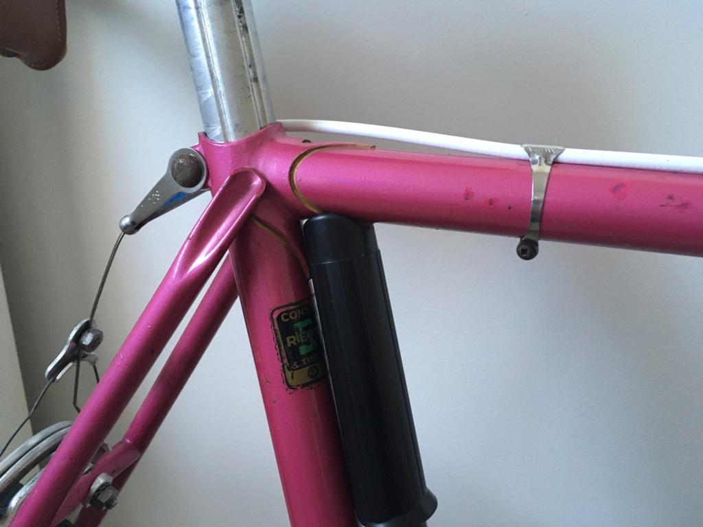 Mon premier sera rose : Mercier 1978 Img_0212