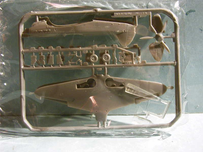 Multi-présentations MASTERCRAFT d avions au 1/72ème Imag0042