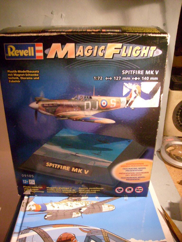 "[Revell]Spitfire MkV ""Magic flight"" au 72 eme S7300811"