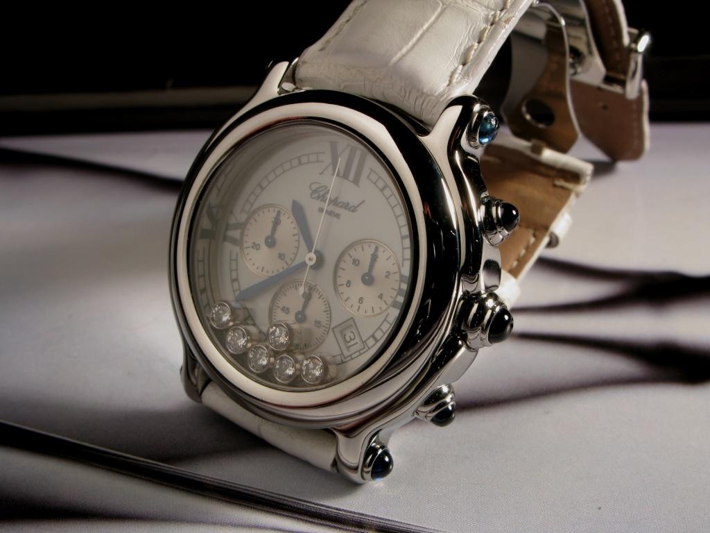J'aime les grosses montres sur les poignets fins Img_0210