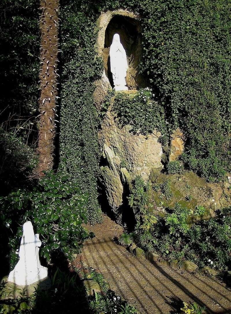 la grotte de Lourdes ??? Img_0014