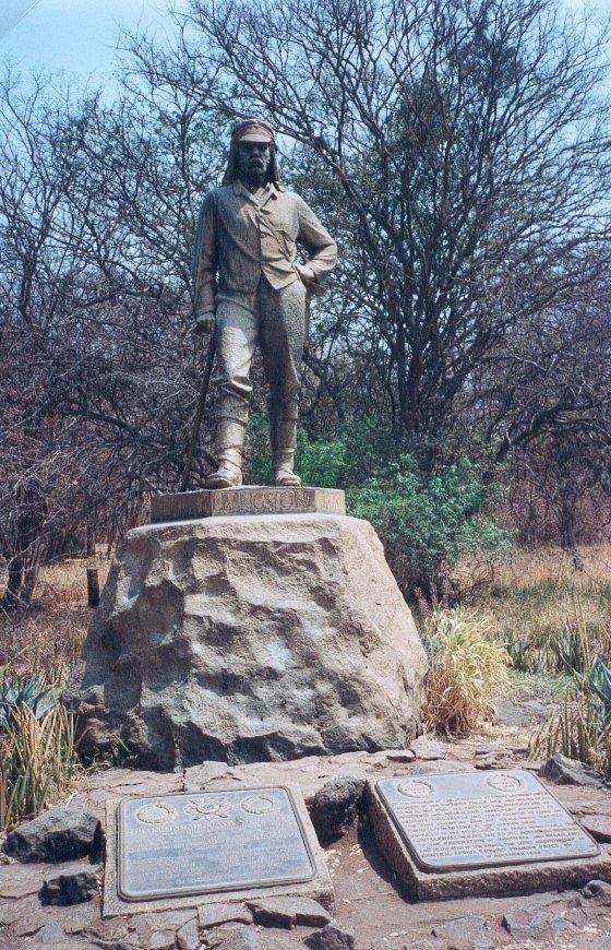 Statue D. Livingstone Victoria Falls, Zimbabwe (défi trouvé) - Page 2 Statue10