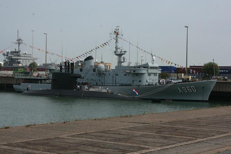 Vos photos du Navy Day 03&04/07/2010  Zeebru11