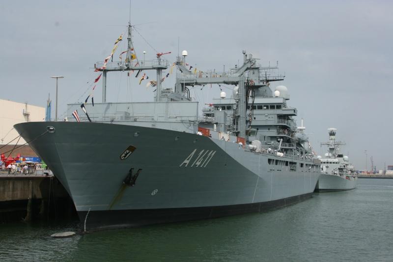 Vos photos du Navy Day 03&04/07/2010  Zeebru12