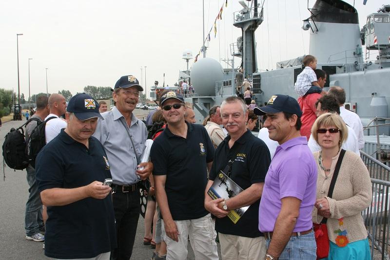 Vos photos du Navy Day 03&04/07/2010  Zeebru14