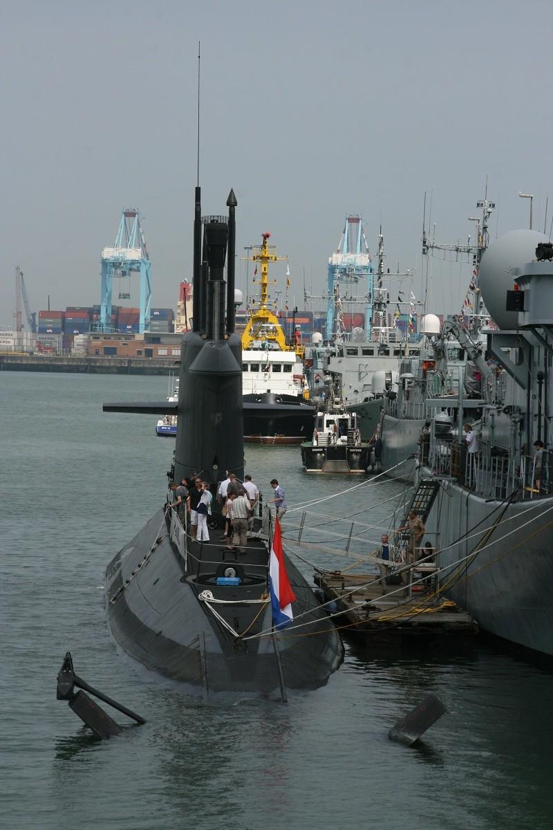 Vos photos du Navy Day 03&04/07/2010  Zeebru15
