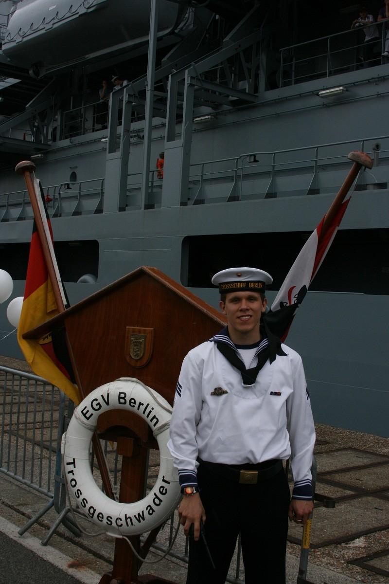Vos photos du Navy Day 03&04/07/2010  Zeebru24