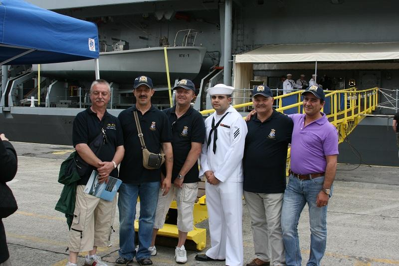 Vos photos du Navy Day 03&04/07/2010  Zeebru27
