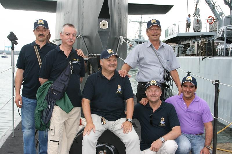 Vos photos du Navy Day 03&04/07/2010  Zeebru29