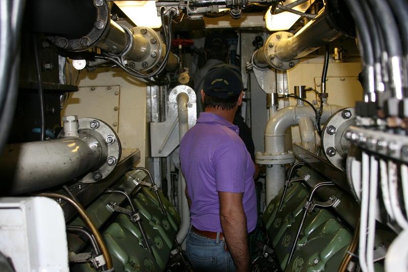 Vos photos du Navy Day 03&04/07/2010  Zeebru31