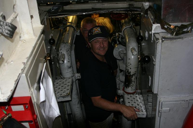 Vos photos du Navy Day 03&04/07/2010  Zeebru33