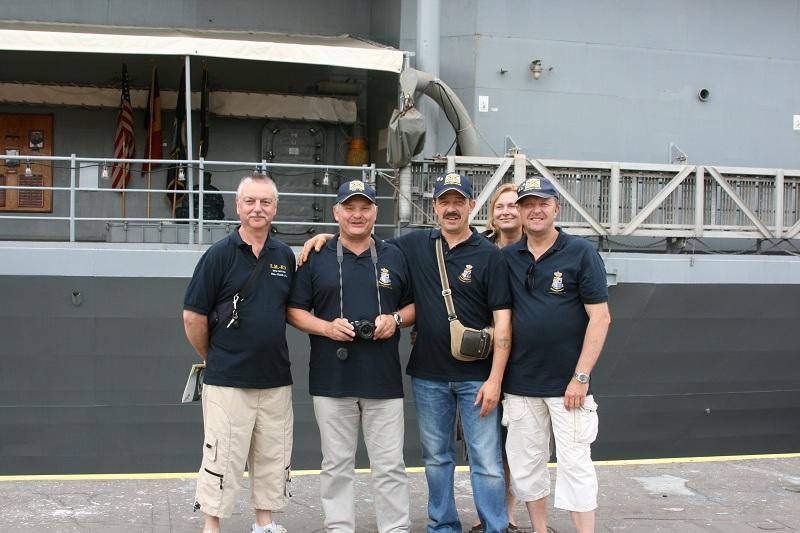 Vos photos du Navy Day 03&04/07/2010  Zeebru36