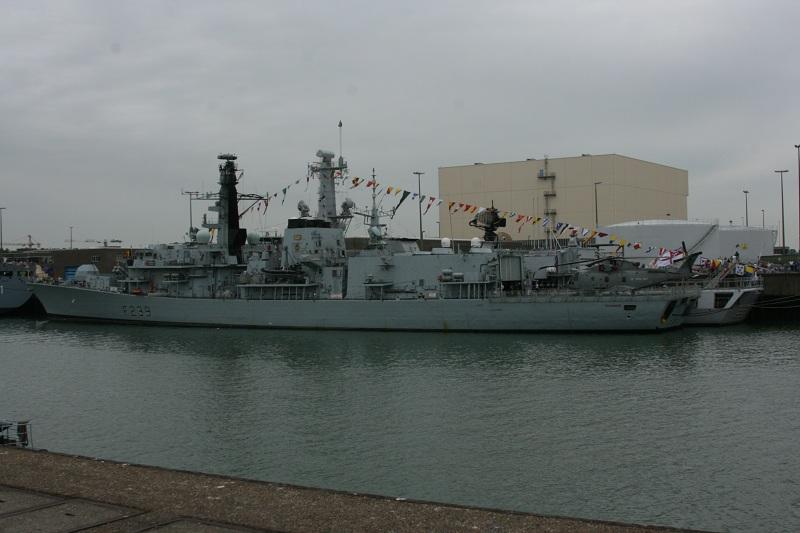 Vos photos du Navy Day 03&04/07/2010  Zeebru40