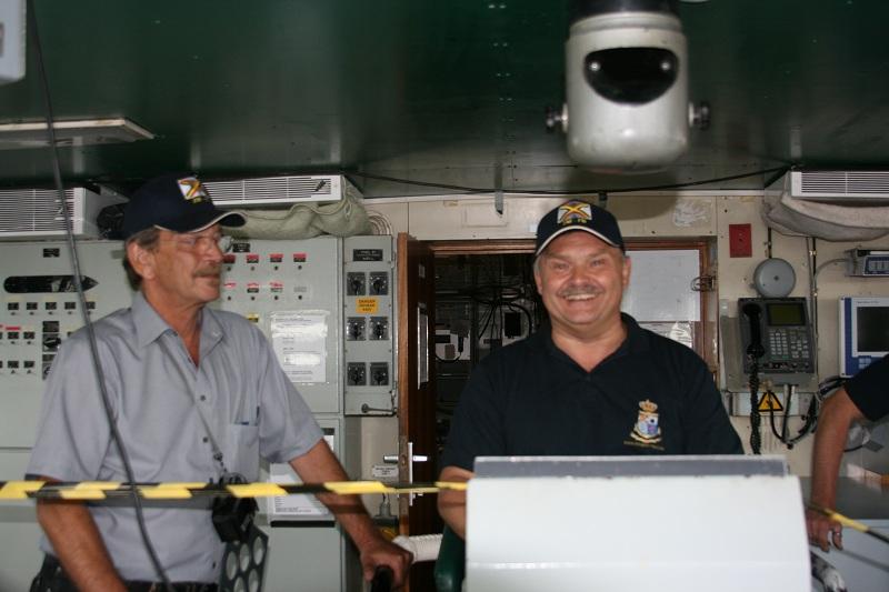 Vos photos du Navy Day 03&04/07/2010  Zeebru42