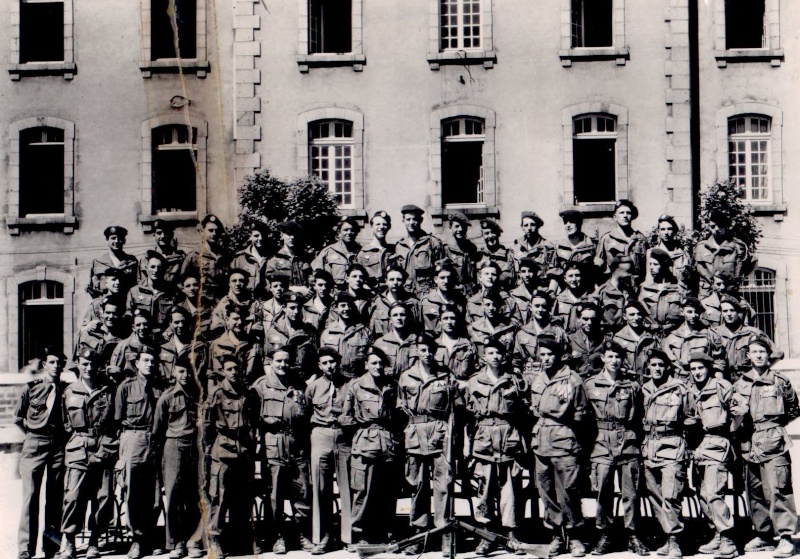 la 12° Cie du 6° B.P.C prise en 1952 dans la cour de la caserne Charner à Saint-Brieuc. 12ecom10