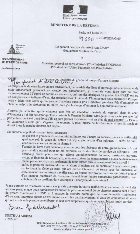 DARY, PIQUEMAL, CANN tous 3 généraux - Cérémonie Invalides Bigeard : Polémique Gouverneur de Paris et parachutistes vétérans Cann_p10