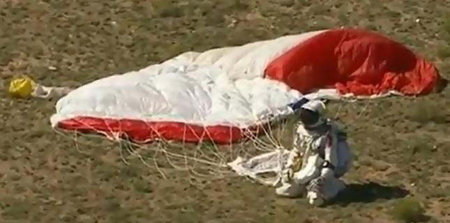 Baumgartner tentera de franchir le mur du son en chute libre dimanche ou lundi Créé le 11-10-2012 à 15h01 Felix_11