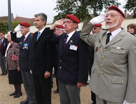 L'assemblée générale de la section Bourgogne de l'Amicale des anciens du 9 e RCP s'est tenue pour la première fois à Paray. 09/2012 La-mar10