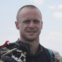 C'est un «moment d'inattention causé par un agent extérieur» survenu «dans les derniers instants du vol sous voilure» qui est responsable de la mort du cameraman-parachutiste Philippe Huard Mort_d10