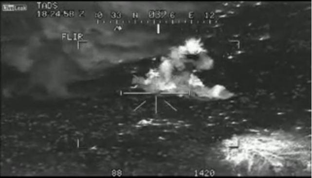 I M P R E S S I O N N A N T Poursuite de nuit de talibans par des hélico- Apache américains équipés de caméra thermique Poursu10