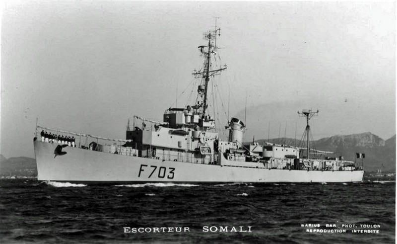 SOMALI (Batiment expérimentation) Esc_so10