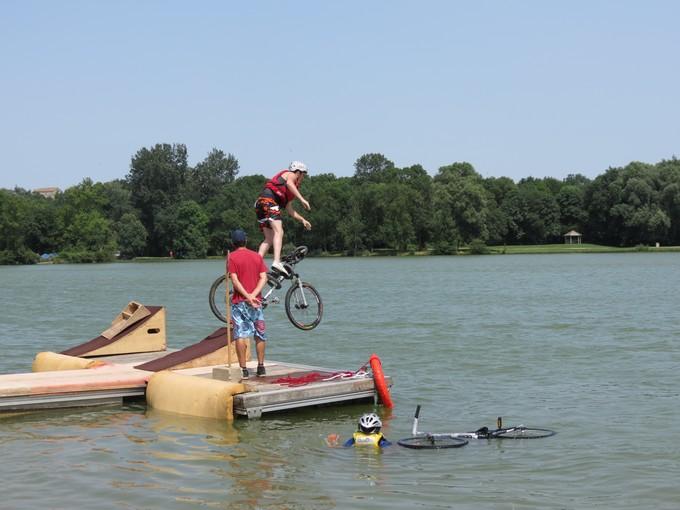 jump sur un étang st yrieix charente Img_5010