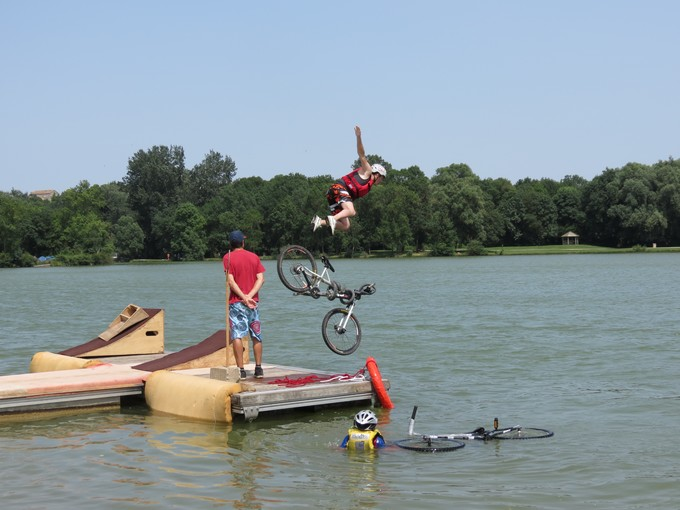 jump sur un étang st yrieix charente Img_5012