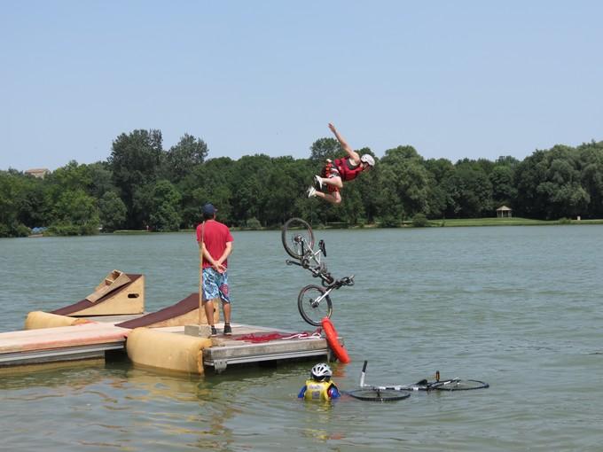 jump sur un étang st yrieix charente Img_5013