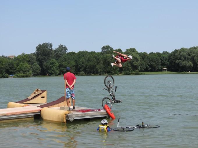jump sur un étang st yrieix charente Img_5014