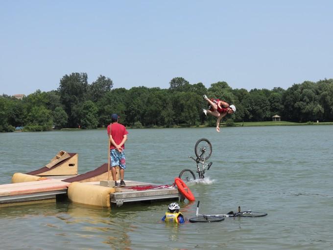 jump sur un étang st yrieix charente Img_5015