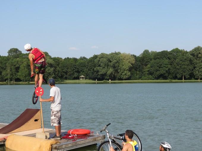 jump sur un étang st yrieix charente Img_5710