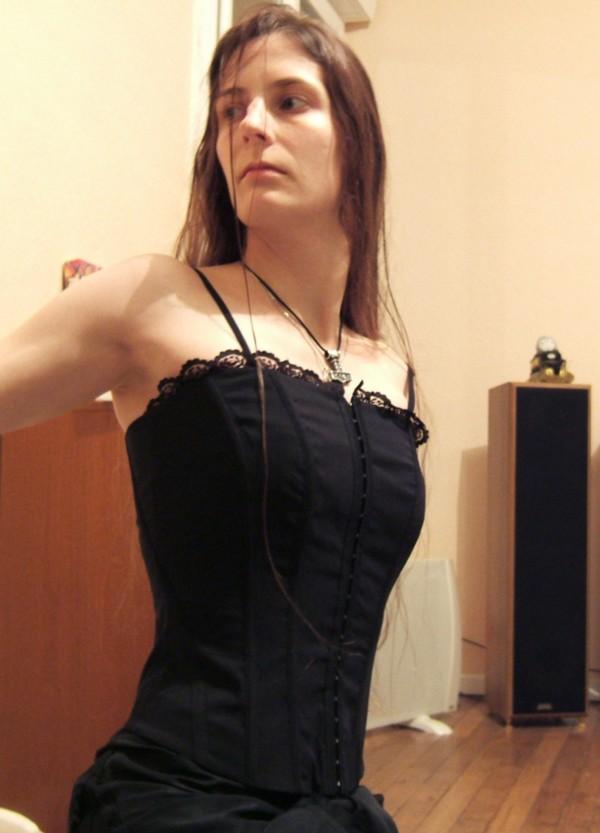 Vos corsets (pour les filles^^) - Page 3 Bustie10