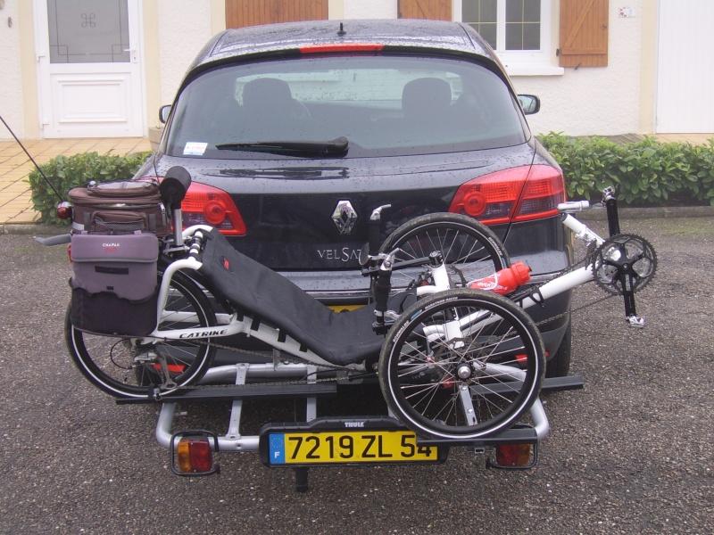 Transport de tricycle sur boule d'attelage Ssa40211