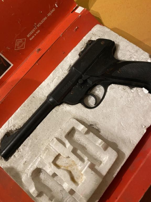 Pistolet Roger retrouvé au grenier Img_0911