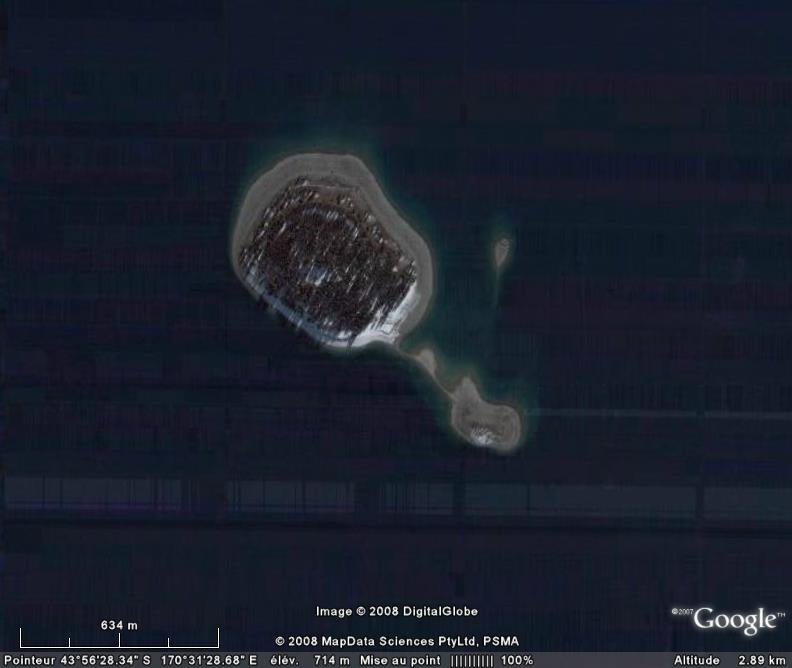 Les objets familiers vus sur Google Earth : écrous - tapis - planche... & caetera Brosse10