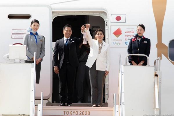 LA FLAMME OLYMPIQUE DES JEUX DE TOKYO 2020 EST ARRIVEE AU JAPON Ethyft10
