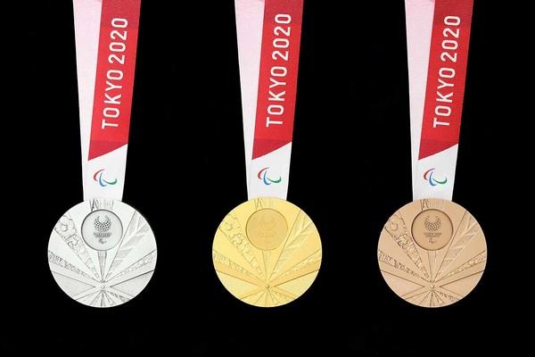 MEDAILLES DES JEUX OLYMPIQUES DE TOKYO 2020 Medals10