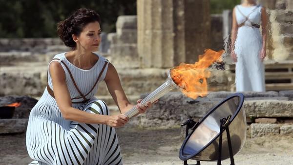 TOUT CE QU'IL FAUT SAVOIR SUR LA CEREMONIE D'ALLUMAGE DE LA FLAMME OLYMPIQUE Mkmdcf10