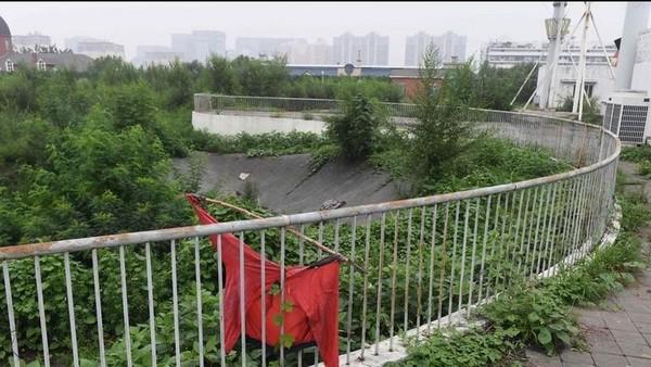 DES SITES des JO de PEKIN 2008 LAISSES A L'ABANDON  Pekin_12