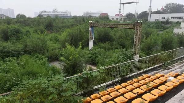 DES SITES des JO de PEKIN 2008 LAISSES A L'ABANDON  Pekin_13