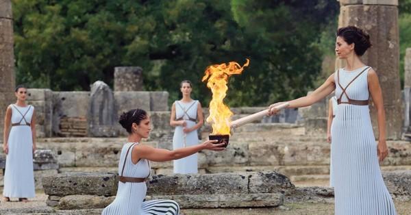 TOUT CE QU'IL FAUT SAVOIR SUR LA CEREMONIE D'ALLUMAGE DE LA FLAMME OLYMPIQUE Qofijj11