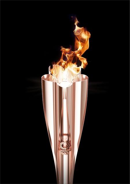 TORCHE ET EMBLEME DU RELAIS DE LA FLAMME OLYMPIQUE DE TOKYO 2020 Torche10
