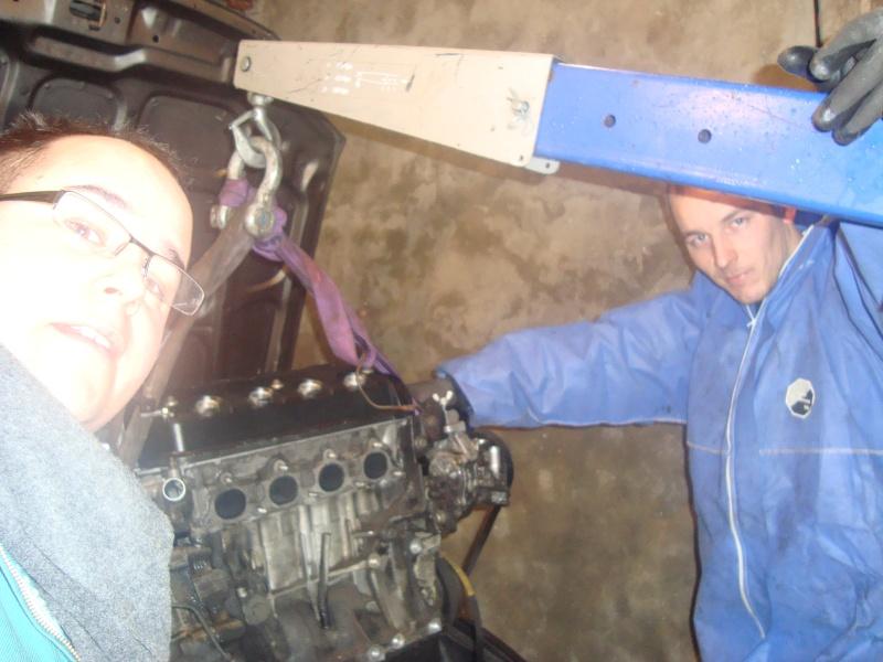 Sedan EH9: Nouveau moteur posé .  - Page 3 Dsc01415