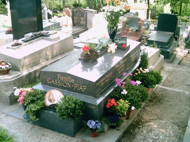 Edith Piaf Ziklac10