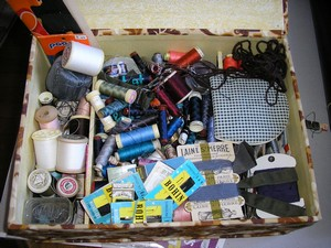 table et boite à couture P1270014