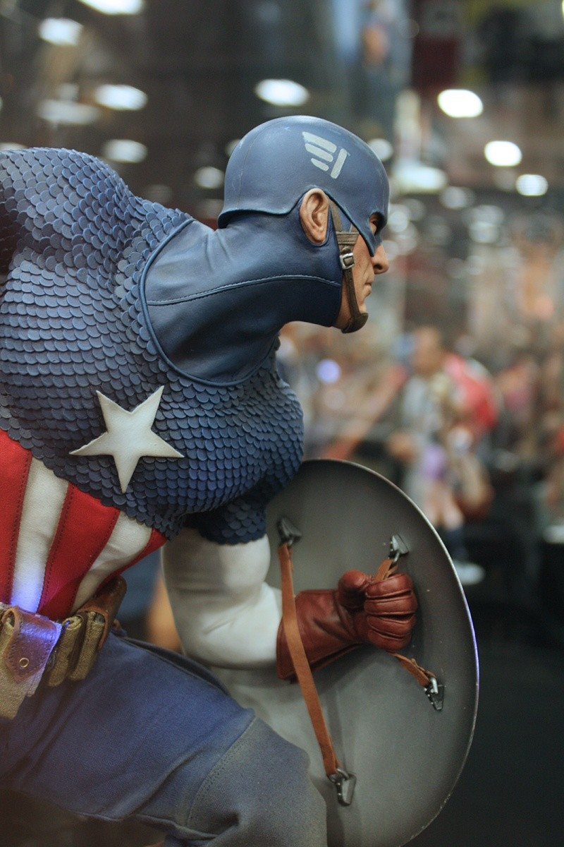 """CAPTAIN AMERICA """" ALLIED CHARGE ON HYDRA """" Premium format Img_4118"""