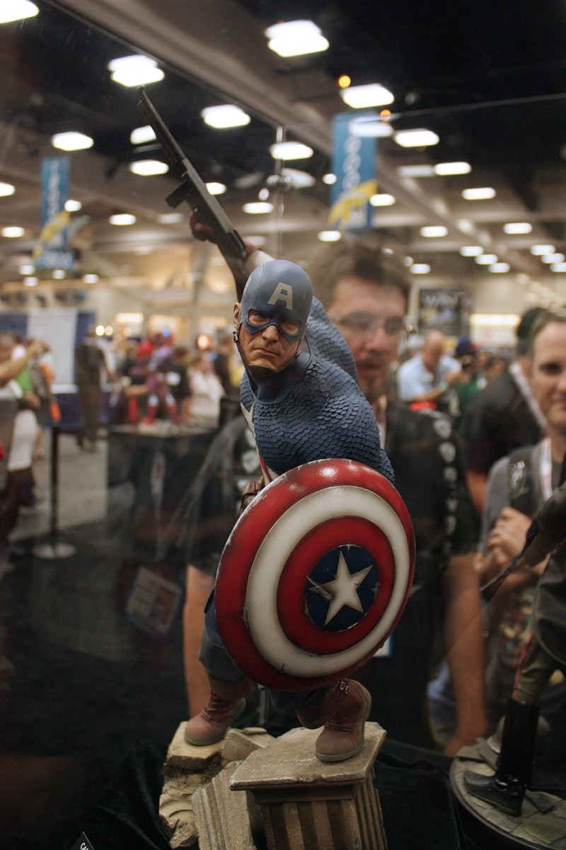 """CAPTAIN AMERICA """" ALLIED CHARGE ON HYDRA """" Premium format Img_4212"""