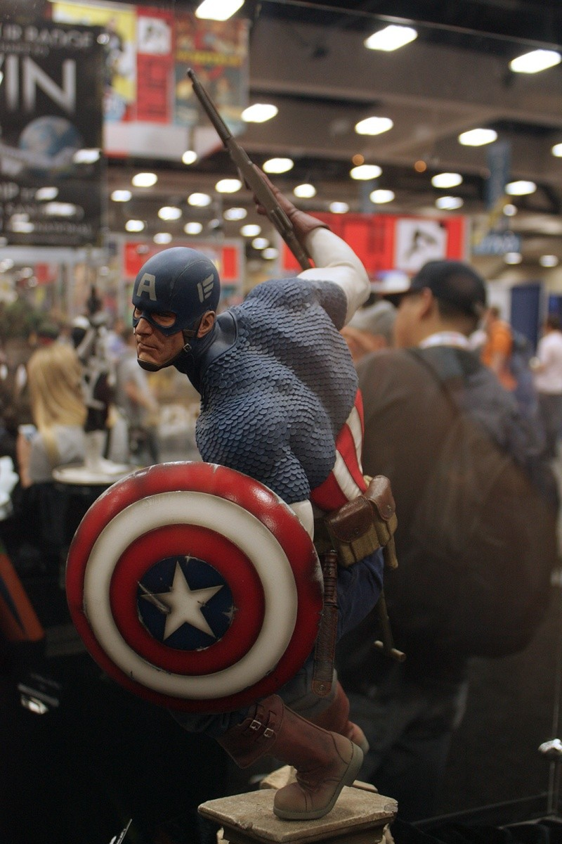 """CAPTAIN AMERICA """" ALLIED CHARGE ON HYDRA """" Premium format Img_4213"""